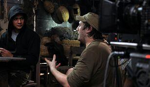 Gareth Evans na planie ''The Raid 2: Infiltracja''