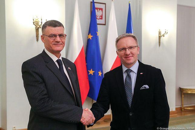 Krzysztof Szczerski (po prawej) oraz Hussein al-Safi (z lewej) podczas spotkania w Pałacu Prezydenckim