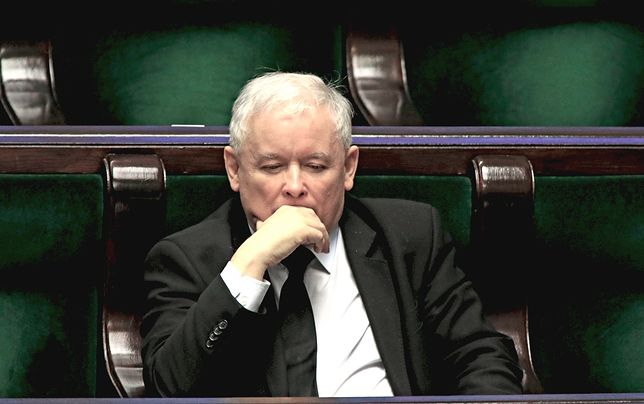 Tajny sondaż przeraził PiS. Opozycja liderem