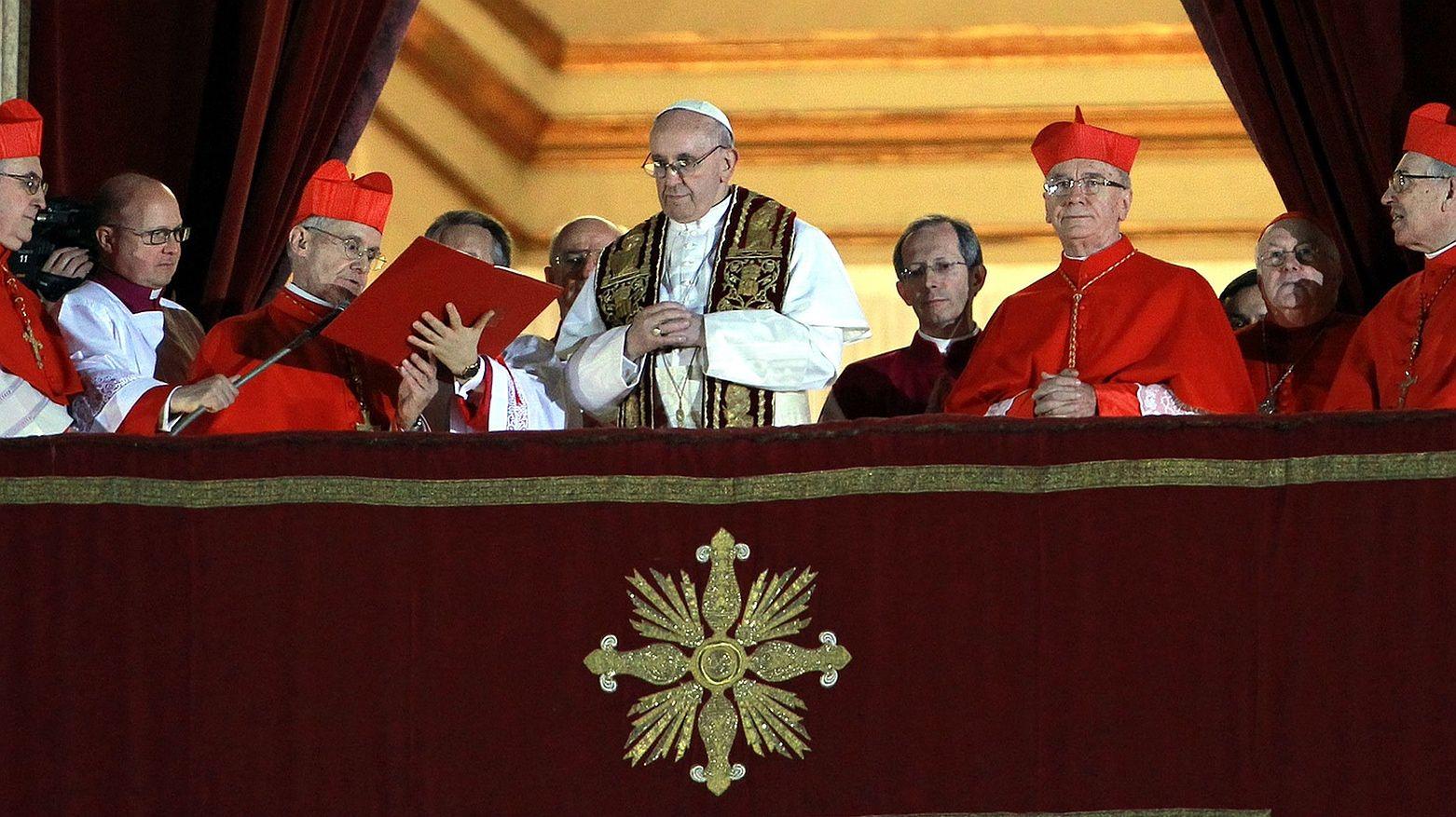 """""""Sodoma"""". Krąg rozpusty w Watykanie. Jak Kościół opłaca escort boyów"""
