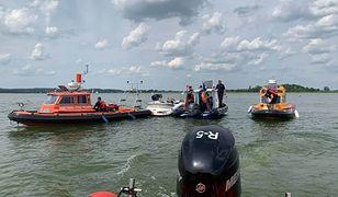Zderzenie motorówki i skutera wodnego na Mazurach. Helikopter LPR poderwany do akcji