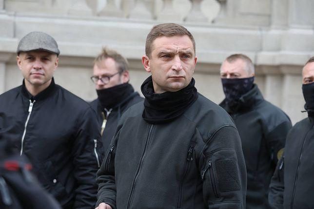 Strajk kobiet. Robert Bąkiewicz, szef samozwańczej Straży Narodowej prosi o policyjną ochronę