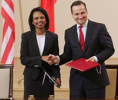 Radosław Sikorski i Condoleezza Rice podczas podpisania umowy ws. utworzenia amerykańskiej bazy w Redzikowie