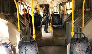 Będzie zakaz głośnych rozmów przez komórkę w komunikacji miejskiej?