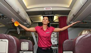 Poszukują stewardess i stewardów!