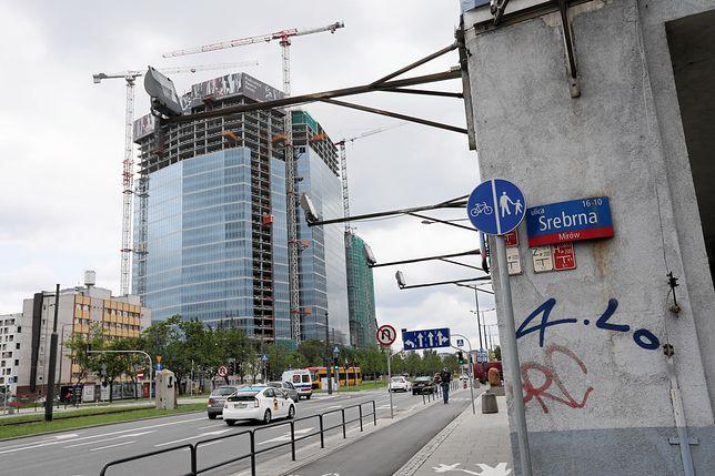 Budowa wieżowca przy Srebrnej. Ratusz chce zablokować inwestycję spółki powiązanej z PiS
