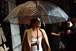 LOOK OF THE DAY: Alicia Vikander w bieli