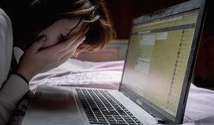 Atak hakera. Kobieta nagrana w intymnej sytuacji