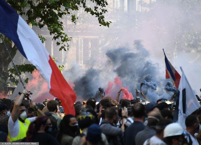 """Paryż. Protest """"żółtych kamizelek"""". Setki demonstrantów zatrzymanych"""