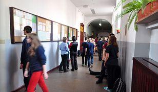 Ankietę wypełniło 4 tys. uczniów warszawskich liceów