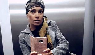 """""""On silny, ja silniejsza"""". Chora na raka dziennikarka straciła włosy, ale nie zamierza się poddać"""
