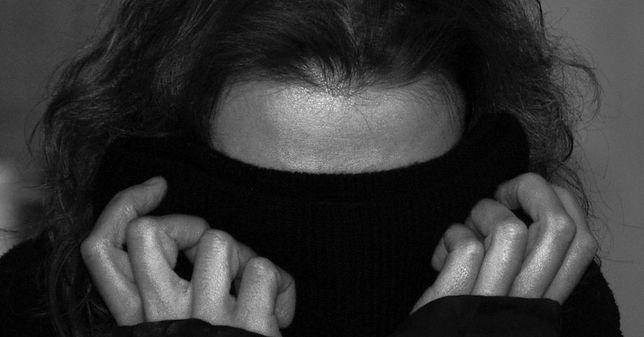 """Ofiara gwałtu w Lesie Kabackim: """"Niektórzy myślą, że kobietę można zgwałcić, bo jest seksownie ubrana"""""""