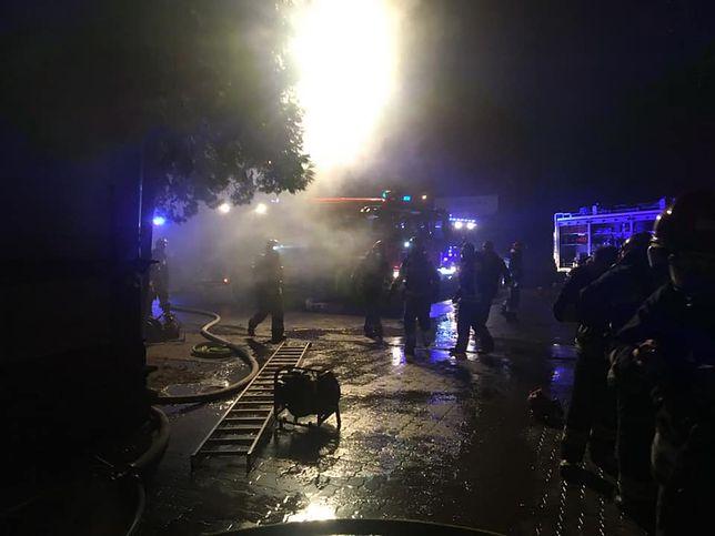 Mazowieckie. W pożarze dawnego dworca w Celestynowie zginęła jedna osoba