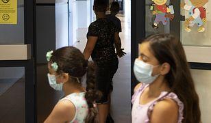 Koronawirus w Polsce i na świecie. Wirusolog z Niemiec ostrzega ws. otwarcia szkół. (zdj. ilustracyjne)