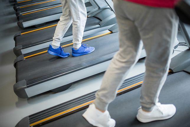 Spodnie sportowe męskie – jak dobrać wygodny model?