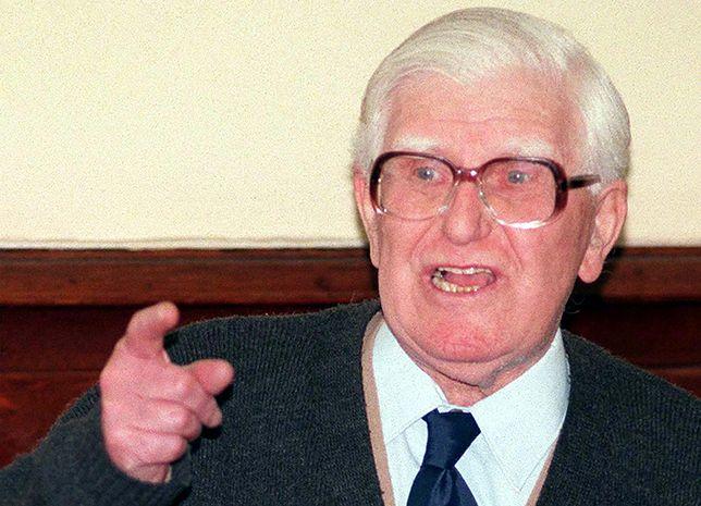 Adam Humer podczas wygłaszania ostatniej mowy na swoim procesie, 5 marca 1996 r.