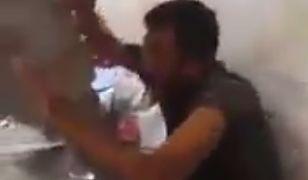 Wyciekło nagranie. Iraccy żołnierze katują bojowników ISIS