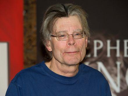 """Stephen King pojawi się """"Pod kopułą"""""""