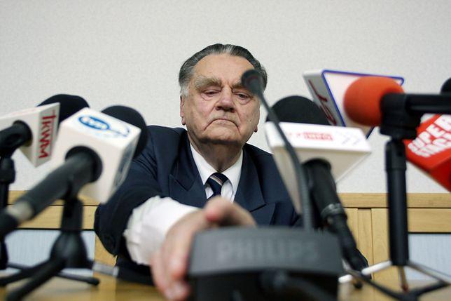 """W ocenie Dworczyka, tezy Olszewskiego """"nie mają pokrycia w faktach historycznych"""""""