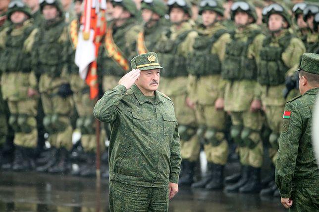 """Aleksander Łukaszenka podczas ćwiczeń """"Zapad-2017"""""""