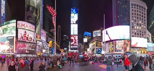 Nazwa placu Times Square pochodzi od dziennika New York Times, którego siedziba znalazła się przy placu w 1904 roku