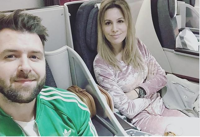 Agnieszka z Grzegorzem w samolocie