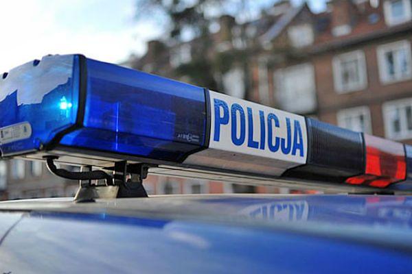 Pościg na terenie gminy Lubin. Nastolatek uciekał skradzioną terenówką