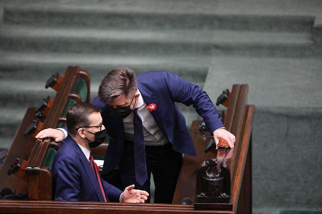 Premier Mateusz Morawiecki używał prywatnej skrzynki do korespondencji z szefem KPRM Michałem Dworczykiem