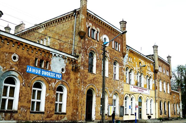 Tak jeszcze kilka lat temu wyglądał dworzec w Jaworze