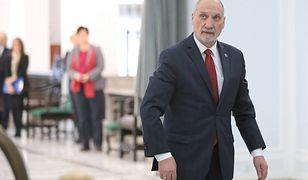 Pierwsze posiedzenie Sejmu jako marszałek senior poprowadził Antoni Macierewicz