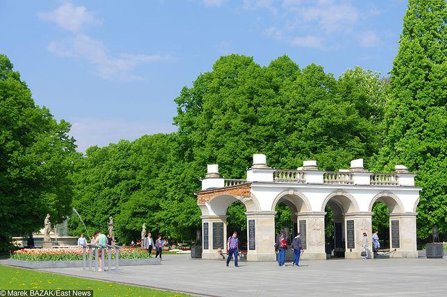 Plac Piłsudskiego od końca 2017 roku pozostaje terenem zamkniętym