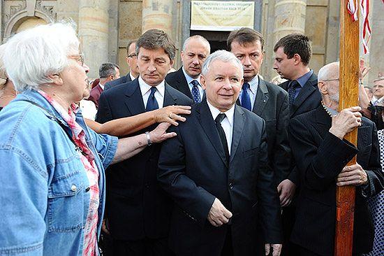 Prezes PiS chce konsultacji ws. pomnika L. Kaczyńskiego