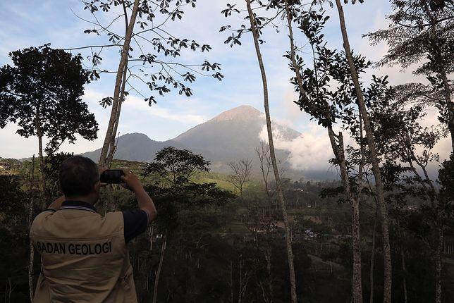Wulkan Agung w Indonezji