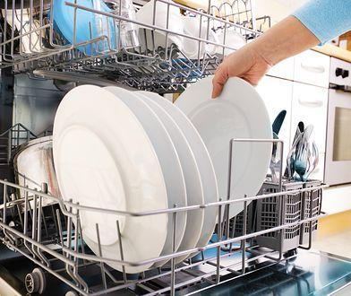 Czy wiesz, jak załadować zmywarkę, aby naczynia były za każdym razem czyste i lśniące?