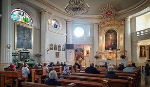 Limity w kościołach do zmiany? Morawiecki reaguje na apel abp. Gądeckiego