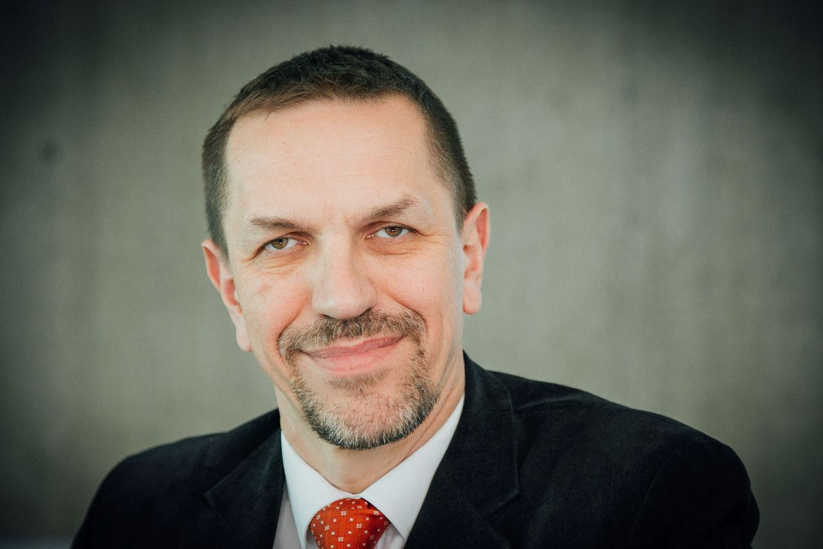 Prof. Jarosław Flis: Warto pójść na wybory, zanim piorun nie strzeli