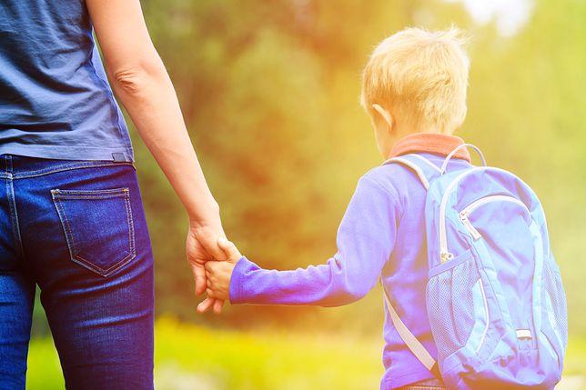 """""""O, idealna mamunia przyszła"""". Kobiety działające w trójkach klasowych na wdzięczność nie mają co liczyć"""
