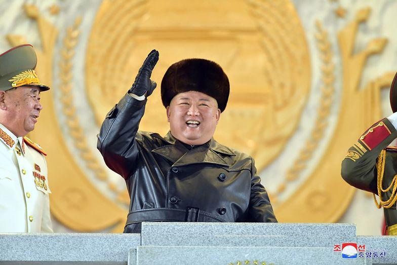 """Kim Dzong Un ma """"najpotężniejszą broń świata"""". Jest się czego bać"""