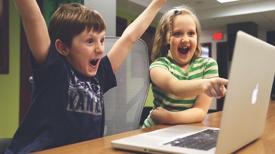 Godziny kodowania z MotoBelfrem, czyli programowanie od podstaw dla najmłodszych!