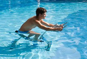 Ćwiczenia w wodzie - dla kogo są najlepsze?