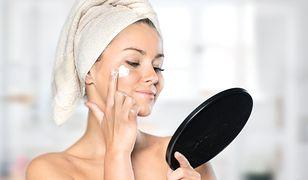Jak nawilżać skórę mieszaną? Sekretem jest skład kosmetyku. Zobacz, co powinien zawierać