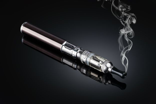 Rząd idzie w ślady trójmiejskich samorządowców? E-papierosy mają być traktowane jak tytoń