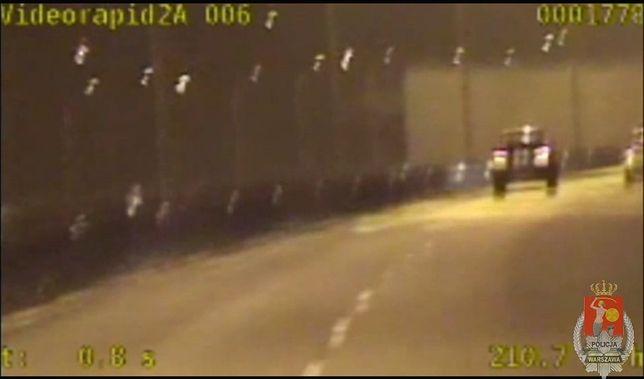 Kierowca bmw pędził ponad 200 km/h [WIDEO]