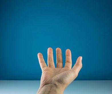 Energia elektryczna generowana ze... spoconych palców