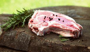 Rozmaryn idealnie nadaje się do marynowania mięsa