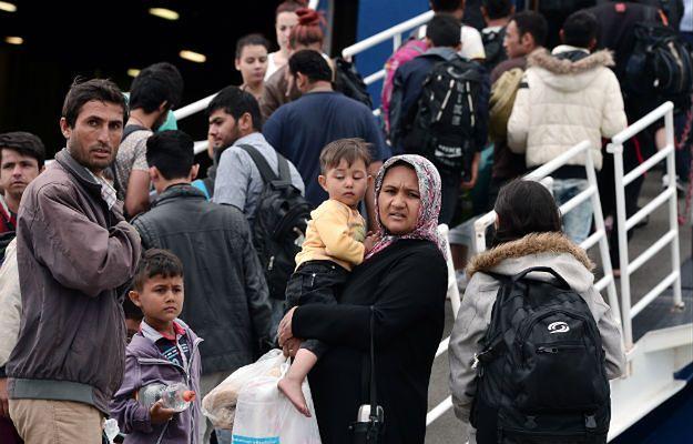 Najpierw sobie, potem komuś? Jak Polacy pomagają uchodźcom