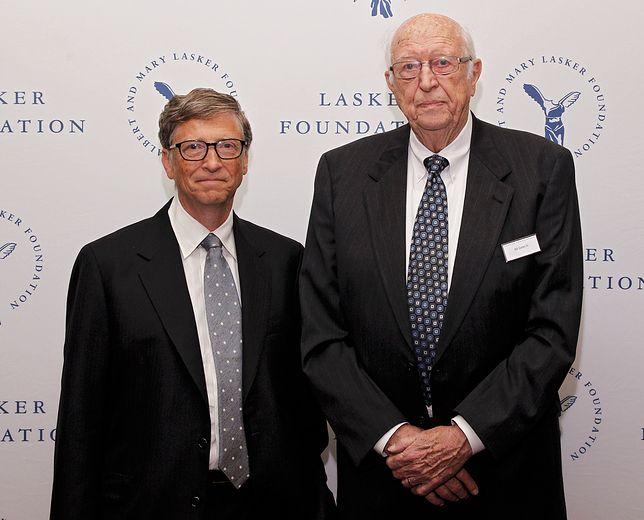 Bill Gates (po lewej) z ojcem Billem Gatesem (po prawej)