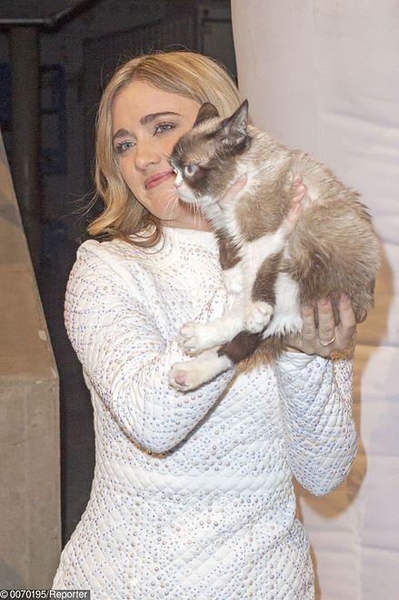 Grumpy Cat ze swoja właścicielką, która na jego popularności zarobiła fortunę