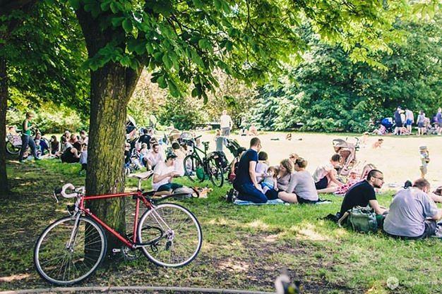 Śniadanie na trawie - piknik na Agrykoli