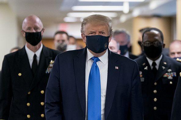 Koronawirus w USA. Zdjęcia Donalda Trumpa ze szpitala obiegły świat